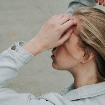 美容師が解説【オーガニックカラー・ハーブカラー】とは?メリットとデメリットを解説