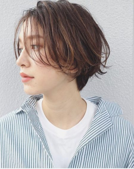 前髪長めショートヘア