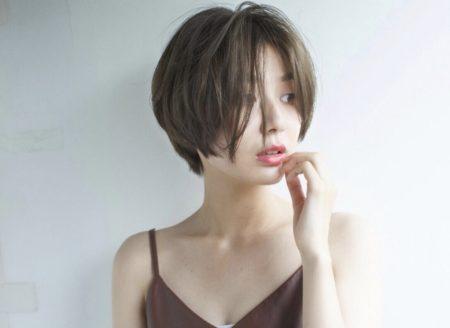 リップラインの長め前髪 のヘアスタイル|ヘアカタログLALA