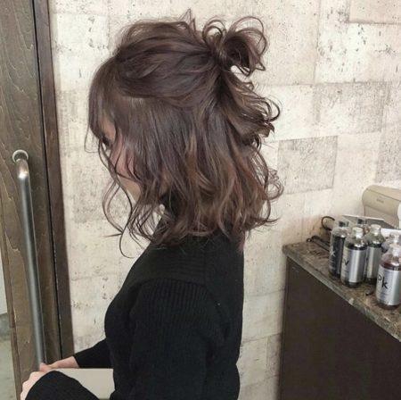 ウェーブミディアムハーフアップヘアアレンジ