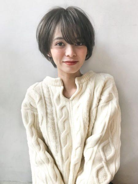 スッキリシルエットでも後ろの丸みとトップのふんわり感で女の子らしいショートヘア/サロン名:Un ami kichijoji スタイリスト名:岸 直美