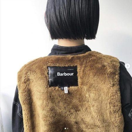 黒髪×ストレートの切りっぱなしボブ
