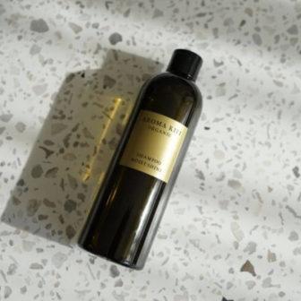【口コミ評価&成分解析】アロマキフィ オーガニック シャンプー モイスト&シャイン アロマティックハーブを美容師が使って効果検証レビュー