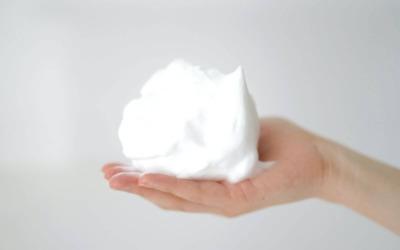 洗顔のベストタイミングとは?朝・夜お風呂での正しい洗顔方法