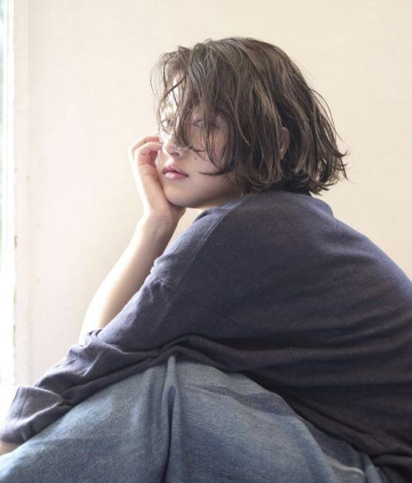 外国人風ウェーブ×切りっぱなしボブ|ピープル オモテサンドウ(people omotesando)椎 健太郎のヘアスタイル画像 サイド