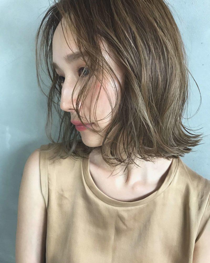 ハイライトで大人な立体感|名古屋 栄の美容室ノエサロン(NOE SALON)スタイリストSOBUEのヘアスタイル