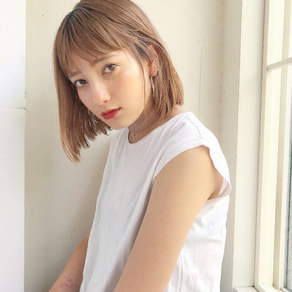 きりっぱなしボブ×ハイトーンカラー|ガーデン オモテサンドウ(GARDEN omotesando)Momoのヘアスタイル画像 フロント