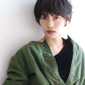 黒髪ショートパーマ|【SHE DAIKANYAMA】 丸岡 奈央のヘアカタログ|LALA [ララ]