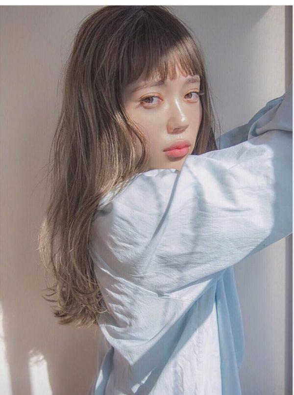ぱっつん前髪にブルージュカラー|【AFLOAT D'L】柳原 弘樹のヘアスタイル