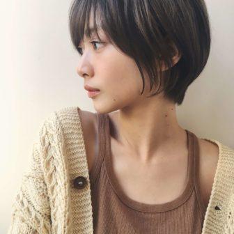 横顔も可愛い耳掛けショート|ジョエミ バイ アンアミ(joemi by Un ami )スタイリスト大久保 瞳のヘアスタイル