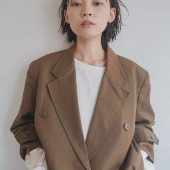 マニッシュなかきあげスタイル|【tsunagu】服部 達哉のヘアスタイル・ヘアアレンジ・髪型|LALA[ララ]