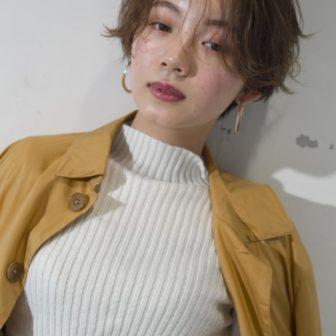 ハンサムショートに優しいカールで女性らしさのあるショートヘア|【GARDEN Tokyo】今野 佑哉のヘアスタイル・ヘアアレンジ・髪型|LALA[ララ]