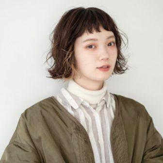 オン眉インナーカラーボブ|【CIECA.】野元亮太のヘアスタイル・ヘアアレンジ・髪型|LALA[ララ]