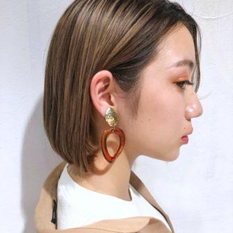 切りっぱなしボブ × ハイ透明感カラー|【GARDEN Tokyo】今野 佑哉のヘアスタイル・ヘアアレンジ・髪型|LALA[ララ]