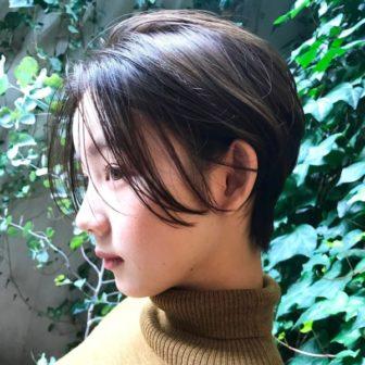 カジュアルな耳かけショート|【JENO】堀江 昌樹のヘアスタイル・ヘアアレンジ・髪型|LALA[ララ]