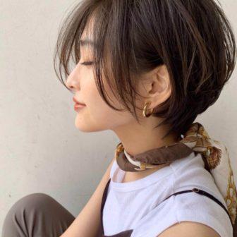 長めの前髪でゆったりした雰囲気のショート|代官山の美容室 シー ダイカンヤマ(SHE DAIKANYAMA)スタイリスト丸岡 奈央のヘアスタイル
