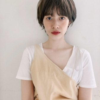 ワイドバングマッシュパーマショート|【joemi by Un ami】 大久保 瞳のヘアスタイル・ヘアアレンジ・髪型|ヘアカタログLALA [ララ]