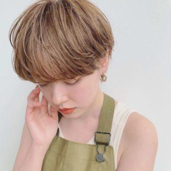 ハイトーンのマッシュショート|【log】馬橋 達佳のヘアスタイル・ヘアアレンジ・髪型|LALA[ララ]