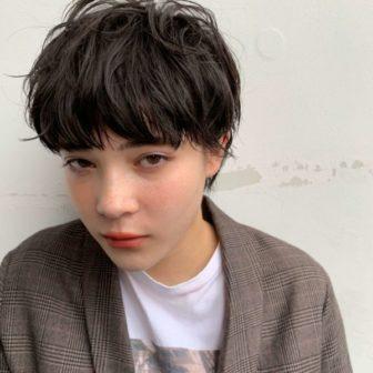 ミニマム、ニュアンシーなマッシュショート|【log】馬橋 達佳のヘアスタイル・ヘアアレンジ・髪型|LALA[ララ]