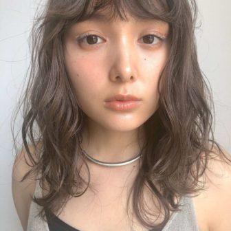 シアーグレージュ|【GIFT】chekeのヘアスタイル・ヘアアレンジ・髪型・ヘアカタログ|LALA[ララ]