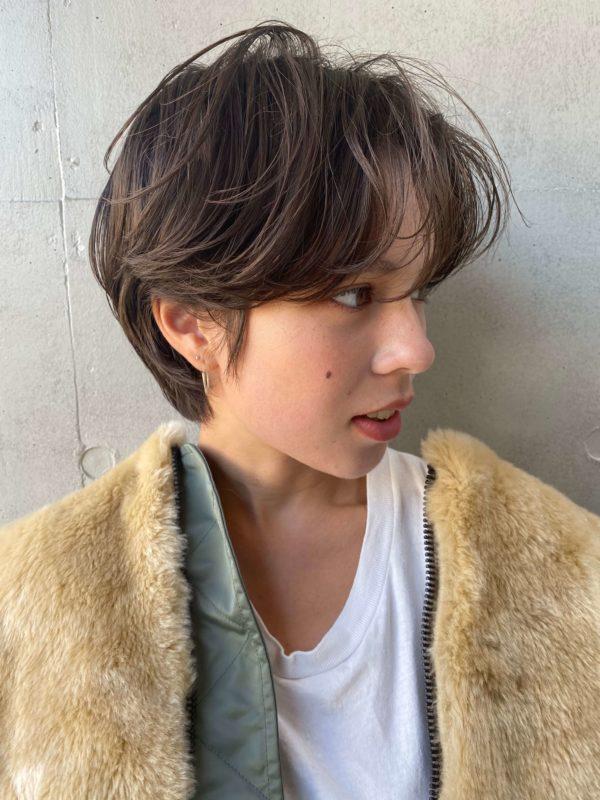 ニュアンスカールショート 【SOIE】柳原 弘樹のヘアスタイル・ヘアアレンジ・髪型