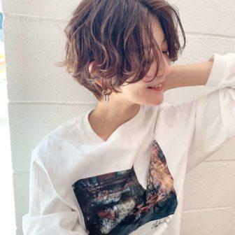 ラフパーマ×女性らしいハンサムショート|代官山の美容室 シー ダイカンヤマ(SHE DAIKANYAMA)スタイリスト丸岡 奈央のヘアスタイル