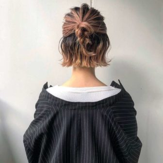 三つ編みハーフアップ